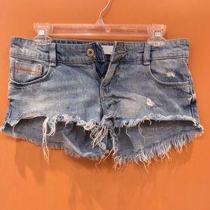 TRF Zara cropped ripped frayed denim shorts Sz 4